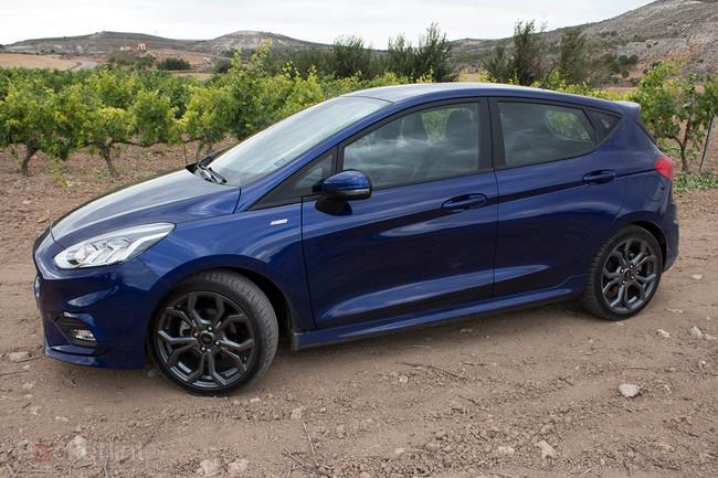 141495-cars-review-ford-fiesta-2017-st-line-image3-ulej53u4ed