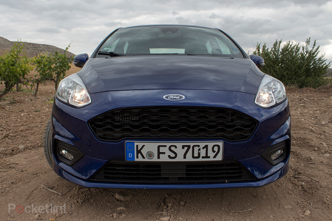 141495-cars-review-ford-fiesta-2017-st-line-image7-xl9rdn6myw