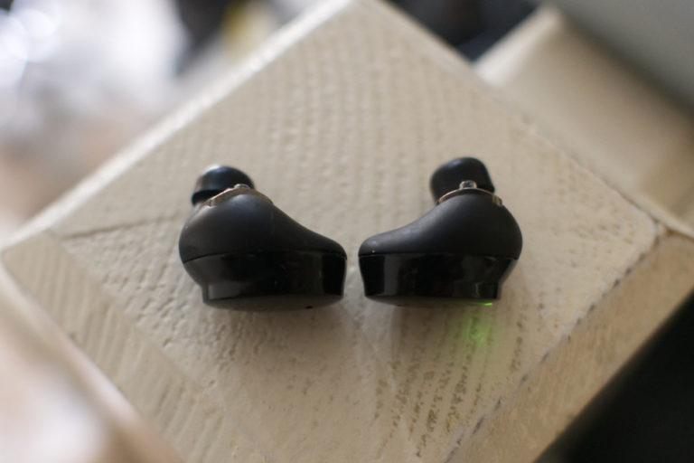 141509-headphones-review-bragi-dash-pro-review-image2-tdeu7bgrz6