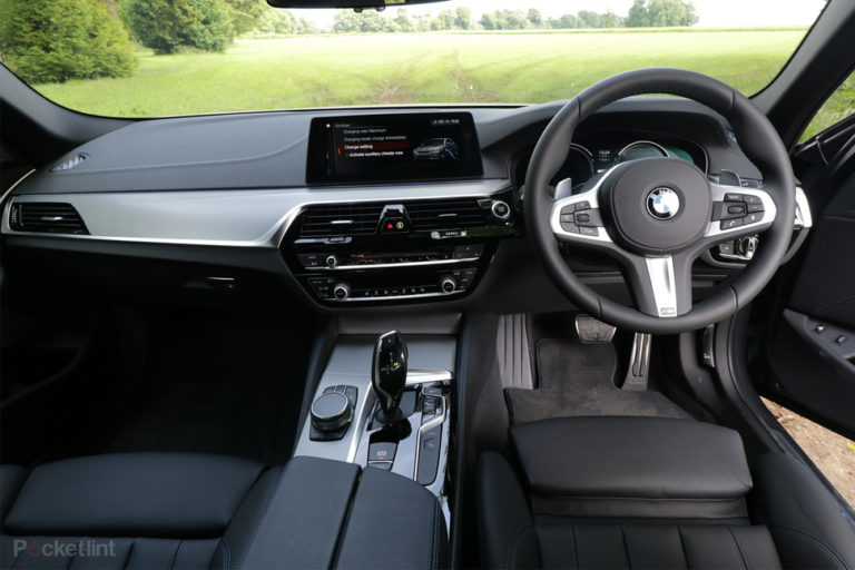 bmw 530e plug in hybrid preview the best of both worlds gearopen. Black Bedroom Furniture Sets. Home Design Ideas