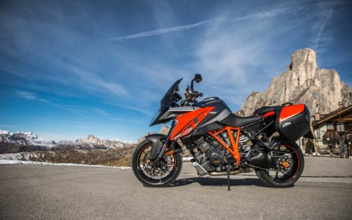 2016-2017 KTM 1290 Super Duke GT Review