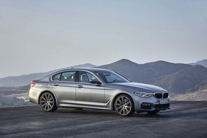 2017-BMW-540i-front-three-quarter