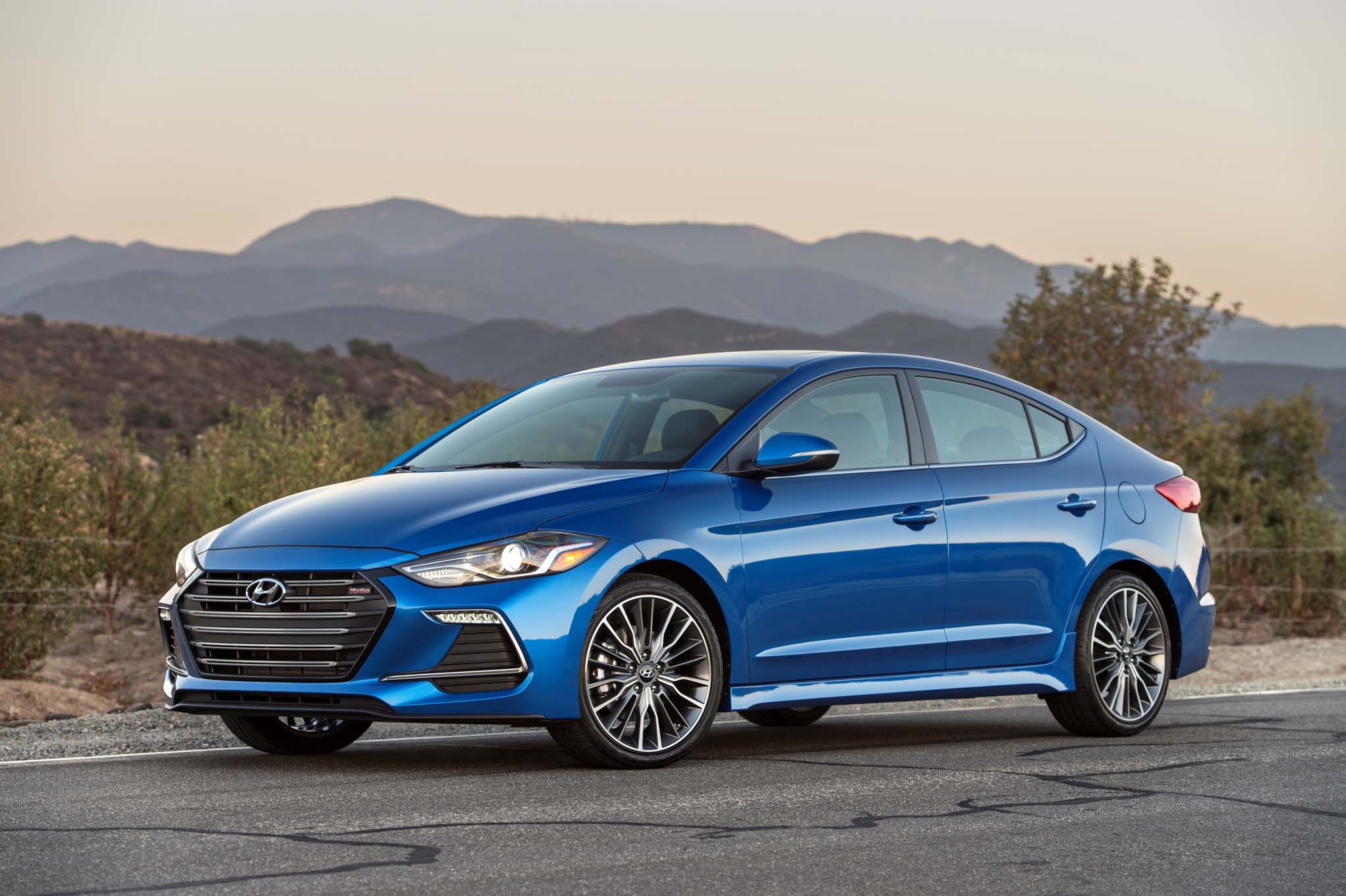 galleries hyundai elantra news sold reviews sport picture celebrates makes en in canada and videos