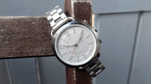 Fossil Q Accomplice review : Simply stylish and stylishly simple