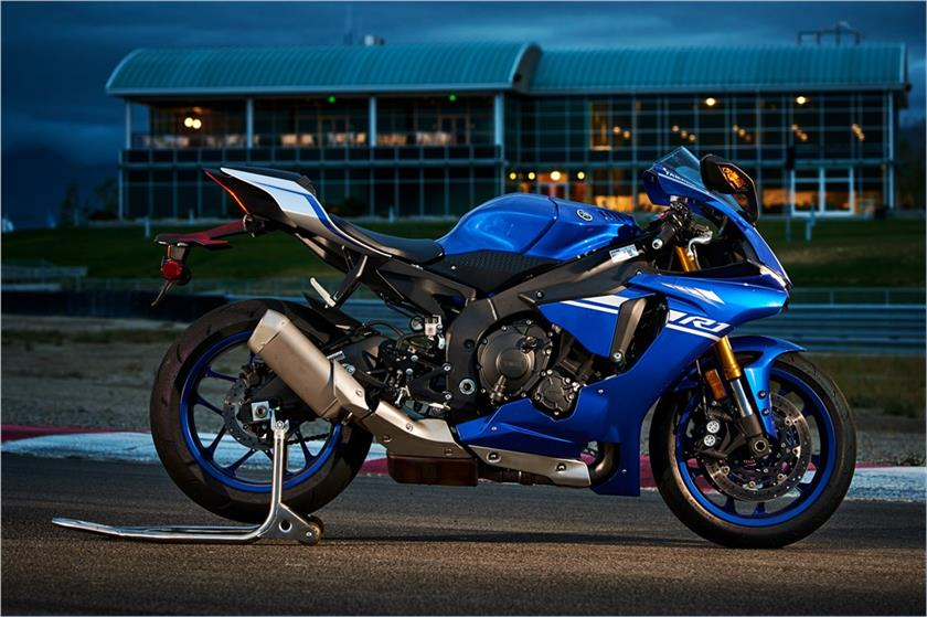 2016 2017 Yamaha Yzf R1 Yzf R1s Yzf R1m Review Gearopen