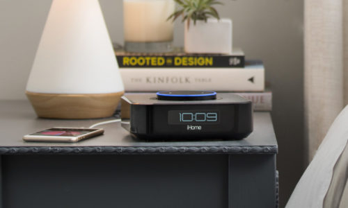 iHome iAVS1 Bedside Speaker Review: Don't Make Time for This Echo Clock