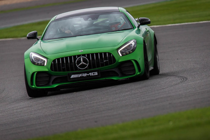 141917-cars-hands-on-amg-gt-r-image1-y9k0prvzux