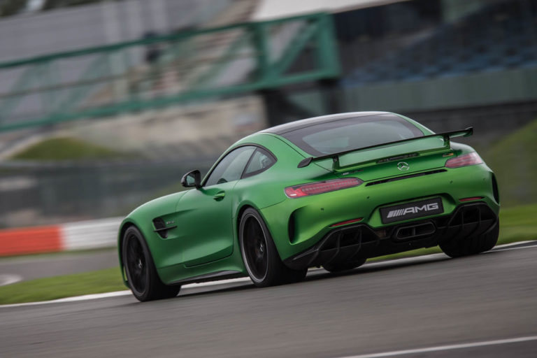 141917-cars-hands-on-amg-gt-r-image3-wlbyo2nmeq