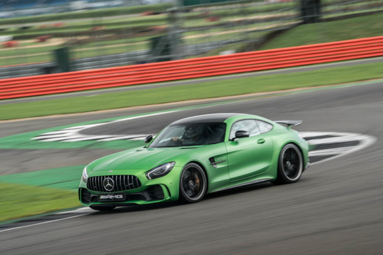 141917-cars-hands-on-amg-gt-r-image4-vn0zpgjleq