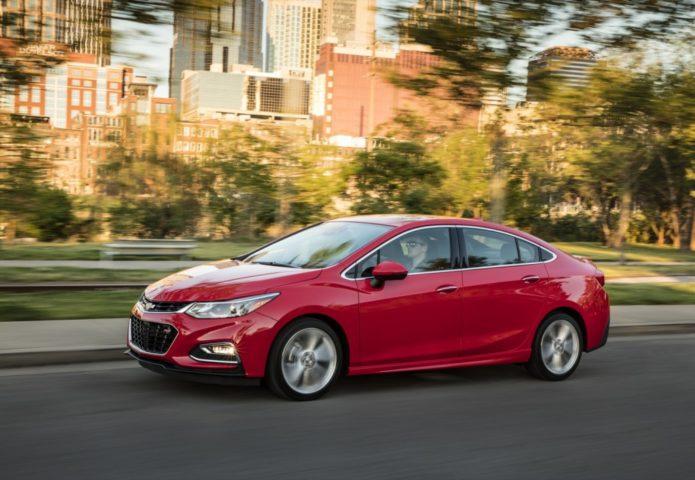 2017-Chevrolet-Cruze-media-drive-exterior-026-1024x707