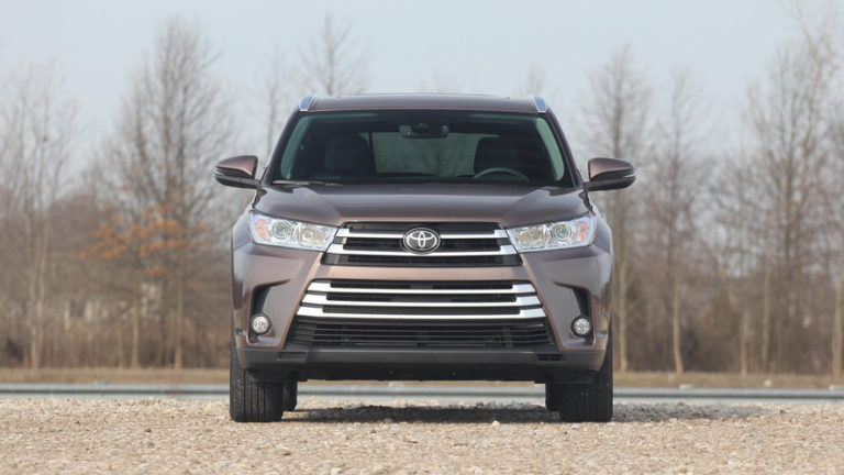 2017-toyota-highlander-review