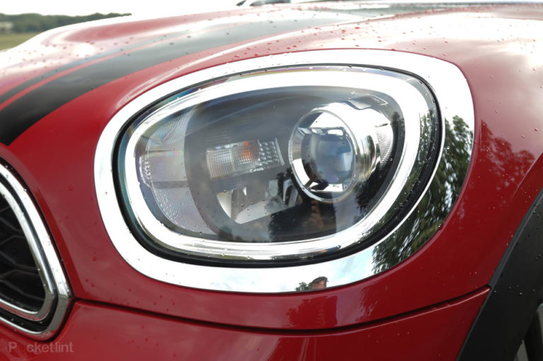 140076-cars-review-mini-countryman-sd-2017-design-details-image1-f1akps726v