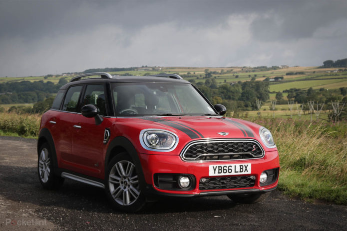 140076-cars-review-mini-countryman-sd-2017-review-image1-4gq8mynged