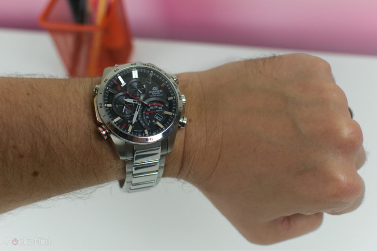 142048-smartwatches-hands-on-casio-edifice-501-hands-on-image1-nze4blytwx