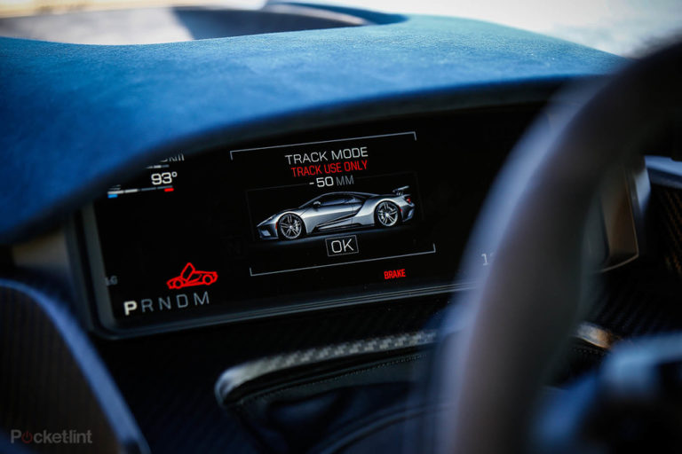 142158-cars-hands-on-ford-gt-tech-displays-image1-qixwyhb31f