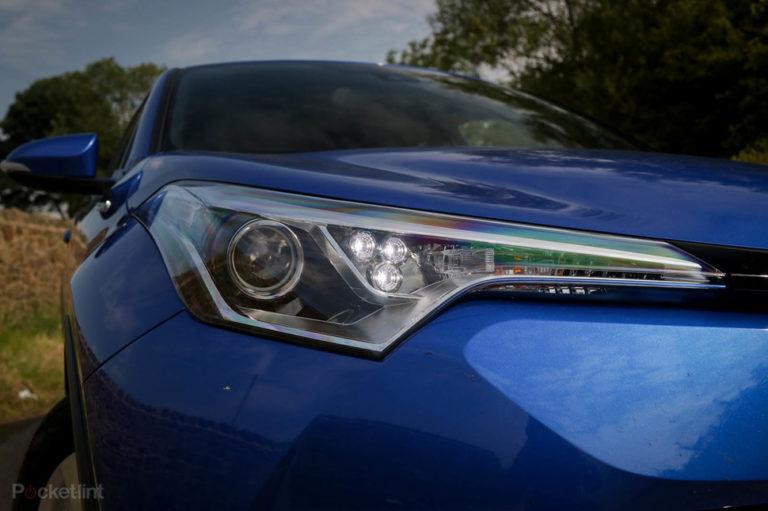 142216-cars-review-toyota-c-hr-details-image3-nmzsrd9da1