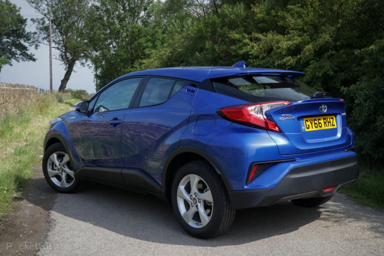 142216-cars-review-toyota-c-hr-review-image4-j96usirfmw