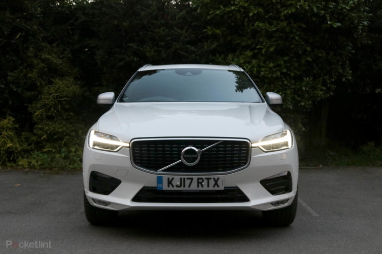 142309-cars-review-volvo-xc60-review-lights-at-night-image1-gvfewky13z