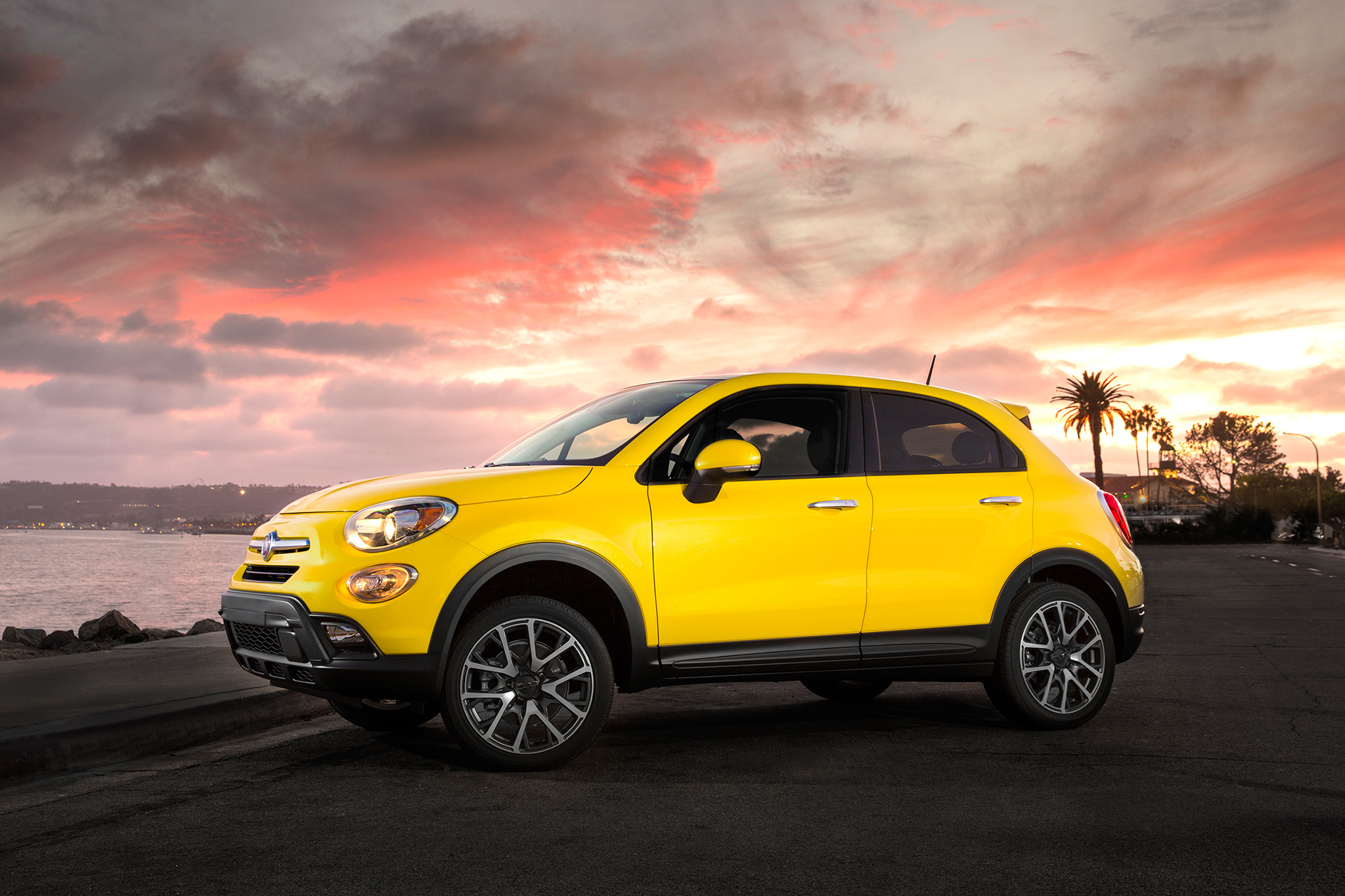 2017 fiat 500x trekking review gearopen. Black Bedroom Furniture Sets. Home Design Ideas