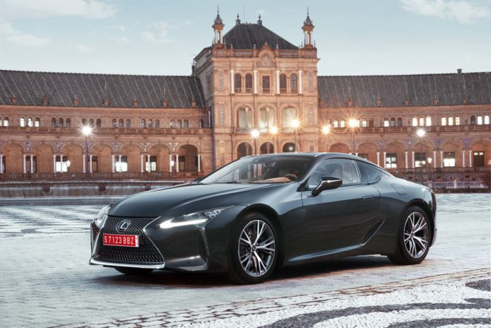 2018-Lexus-LC-500-front-three-quarter-static