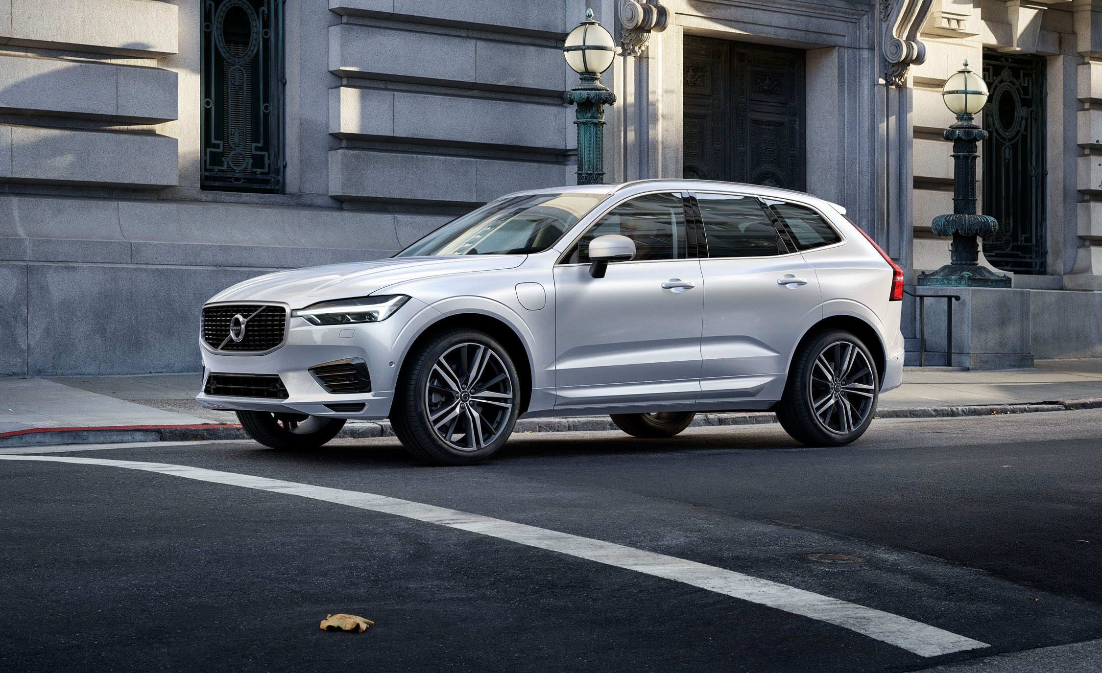 volvo xc60 review: the best-in-class mid-size suv? | gearopen