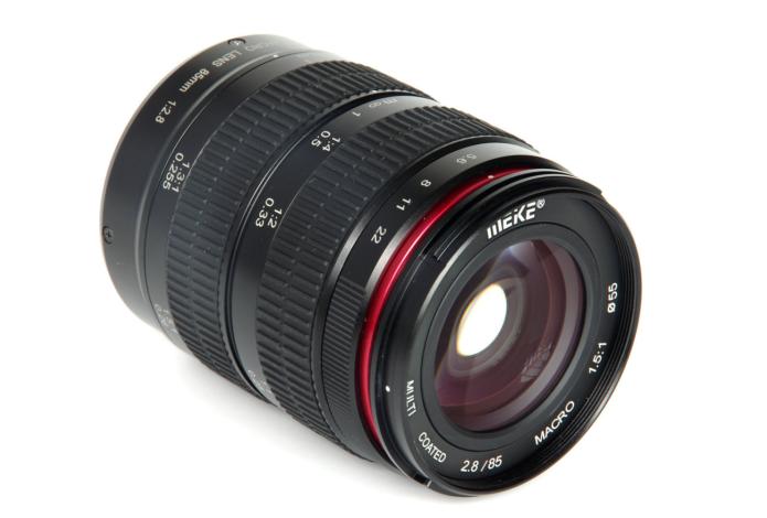 Meike 85mm f/2.8 Macro Review