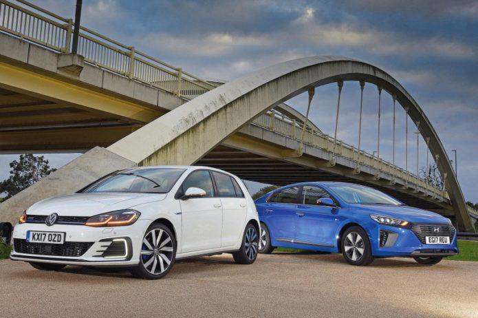 New Hyundai Ioniq Plug-In vs New Volkswagen Golf GTE Comparison 2017