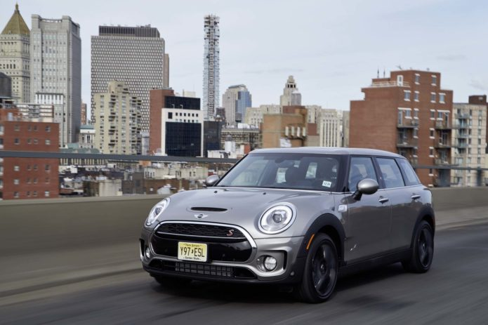 2017-Mini-Clubman-Cooper-S-All4-front-three-quarter-in-motion-09