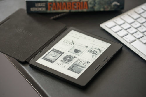 Kindle Oasis 2 (2017) hands-on review