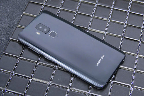 HomTom S8 Review – replica of Galaxy S8?