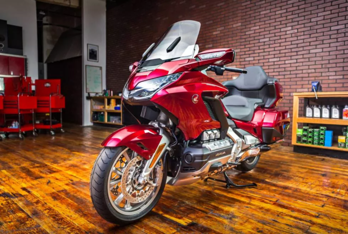 2018 Honda Gold Wing And Gold Wing Tour First Look Review