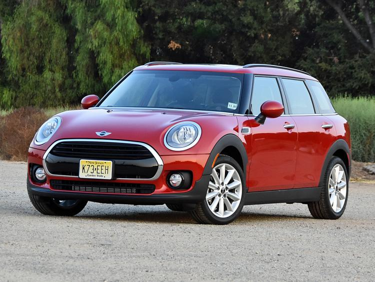 nydn-2017-mini-clubman-blazing-red-front-quarter-left