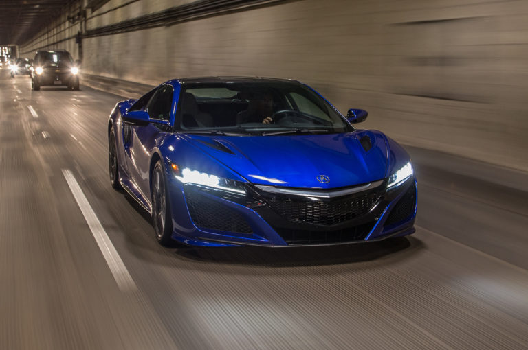 2017-Acura-NSX-front-three-quarter-motion8