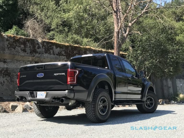 2017-ford-f-150-raptor-supercab-3-960x720