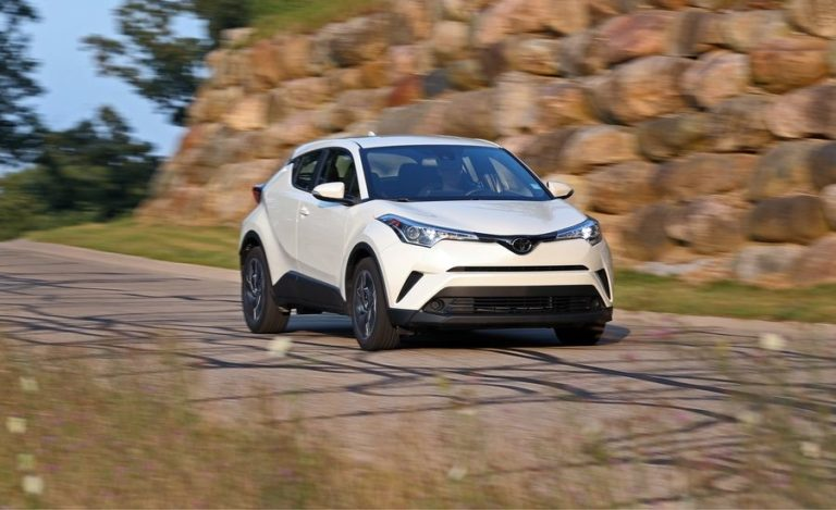 2018-toyota-c-hr-in-depth-model-review-car-and-driver-photo-690560-s-original