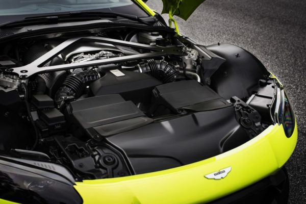 Aston-Martin-Vantage_Lime-Essence_23-1080×720