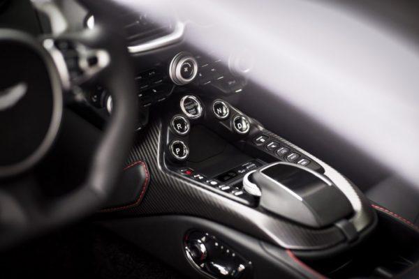 Aston-Martin-Vantage_Tungsten-Silver_14-1080×720