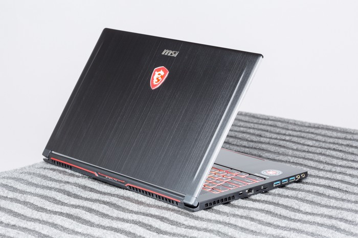 msi-gs63vr-7rg-stealth-pro-nvidia-max-q-back-and-left