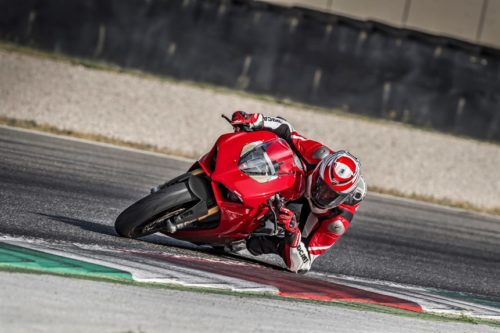 First Look: 2018 Ducati Panigale V4 / V4S / V4 Speciale
