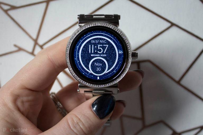 142965-smartwatches-review-michael-kors-access-sofie-product-shots-image2-lavisjzgs9
