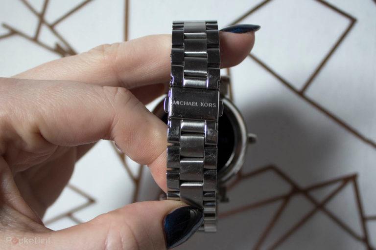 142965-smartwatches-review-michael-kors-access-sofie-product-shots-image8-h7awxp0sut