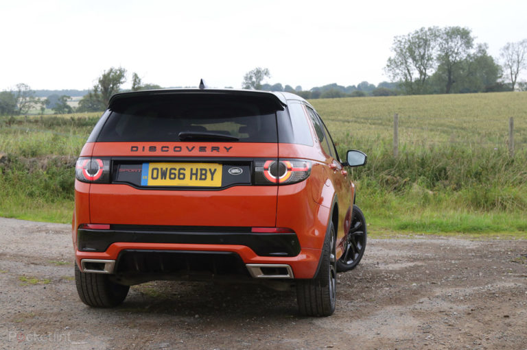 143115-cars-review-land-rover-discovery-sport-review-image7-upbhc0cj7w