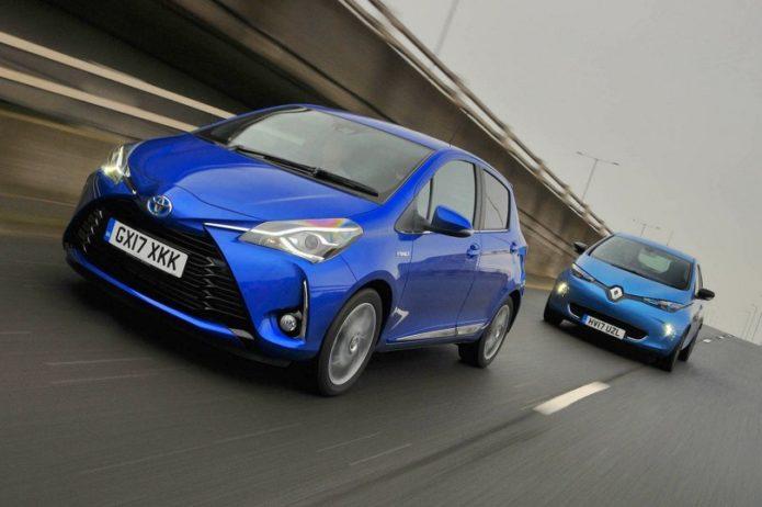 New Toyota Yaris Hybrid vs Renault Zoe Comparison