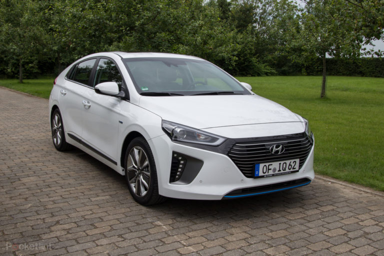 138191-cars-review-hyundai-ioniq-hybrid-review-image1-gywFOrA45h