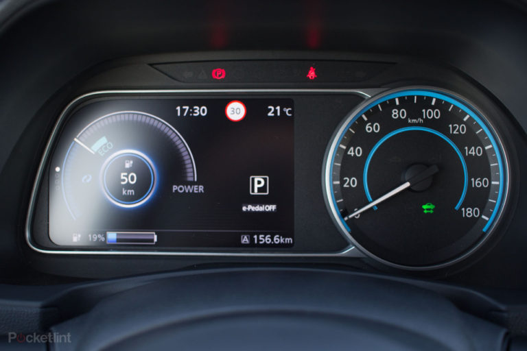 142174-cars-review-review-nissan-leaf-review-driver-display-image4-jv8w4s2rhc