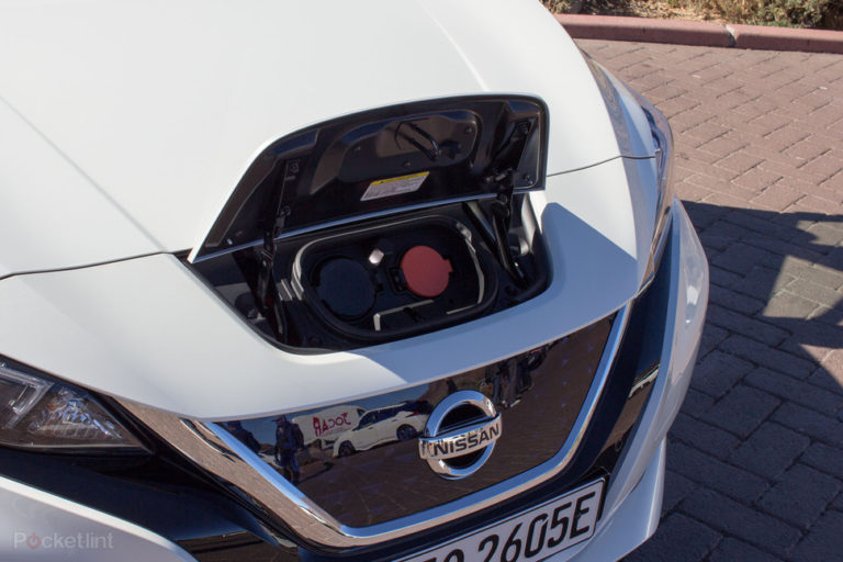 142174-cars-review-review-nissan-leaf-review-image11-qr09ujqzvf