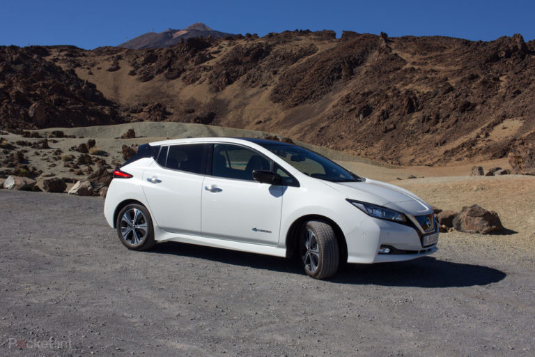 142174-cars-review-review-nissan-leaf-review-image7-uoeyxrcfhn