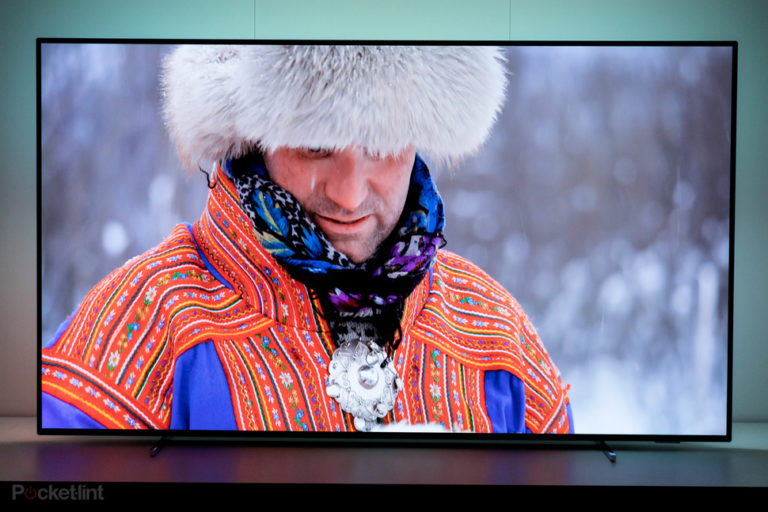 143465-tv-review-hands-on-philips-oled-803-initial-preview-stunning-143465-entry-into-the-4k-hdr-oled-family-image1-vin5fy1lo4