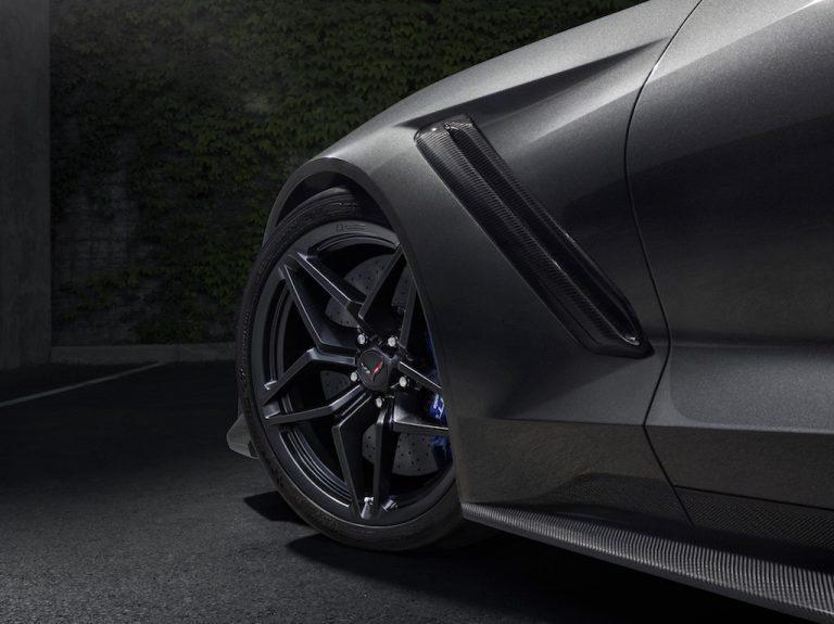 2019-Chevrolet-Corvette-ZR1-005-768x575