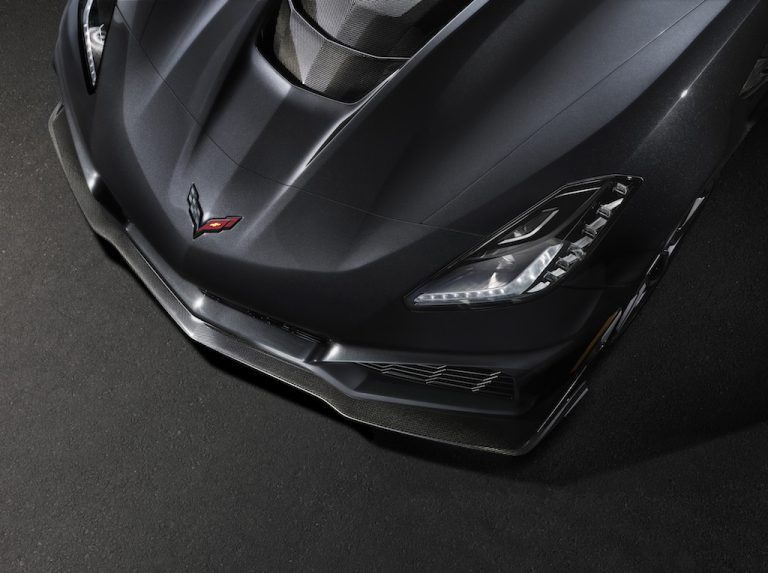2019-Chevrolet-Corvette-ZR1-006-768x573